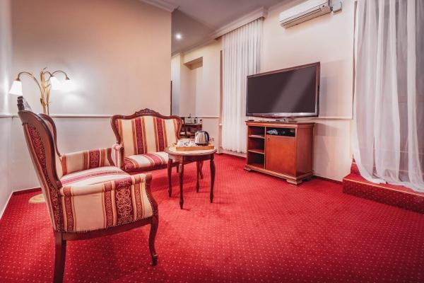 hotel-capital-2019-hires-61-webF0DCF163-8ADC-B4B1-3CCC-1FB5DB074010.jpg