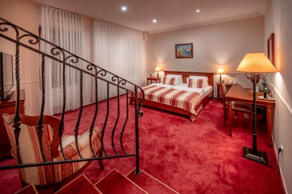hotel-capital-2019-hires-62-web02DD21AE-E54B-255B-C970-DA68C42C2974.jpg