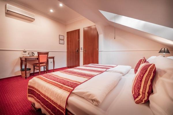 hotel-capital-2019-hires-20-web75BE5384-6758-61F5-84C1-50875FD456BB.jpg